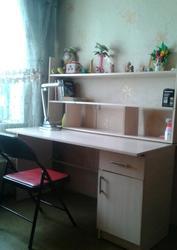 продам стол письменный однотумбовый